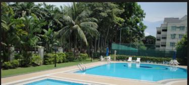 Villa De West