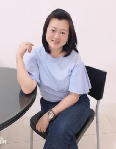 Maureen Lee R020209Z 97438382