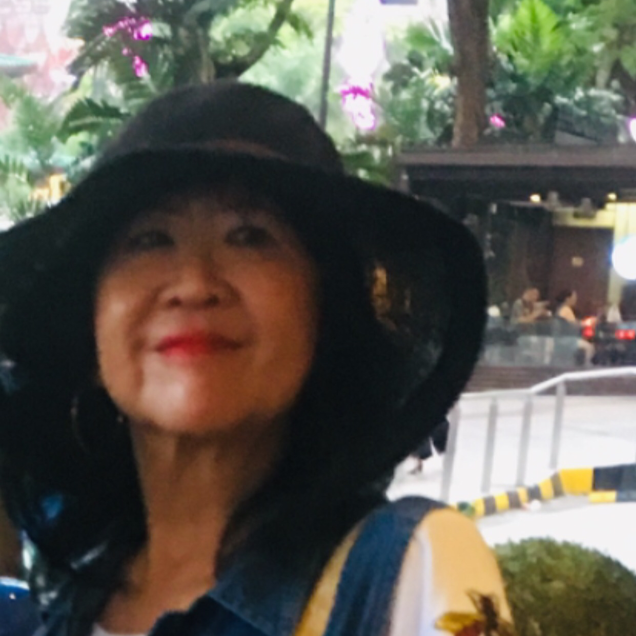 Dixie's Angie Cheong P002335G 96791280