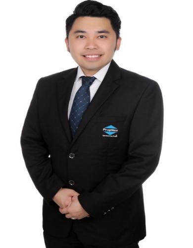 Ashton Yong R048161D 82983800